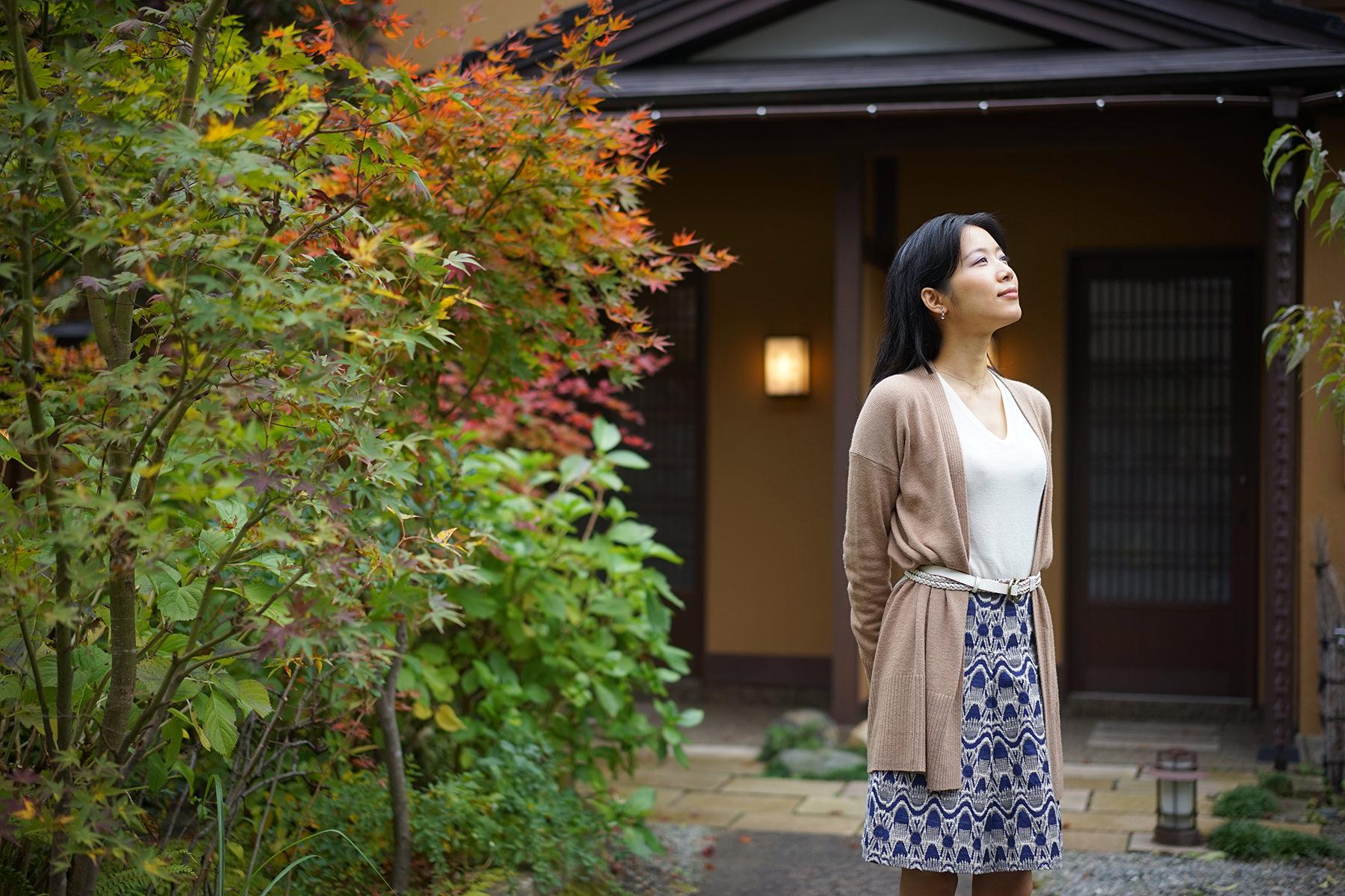 秋-3 紅葉の庭を散策